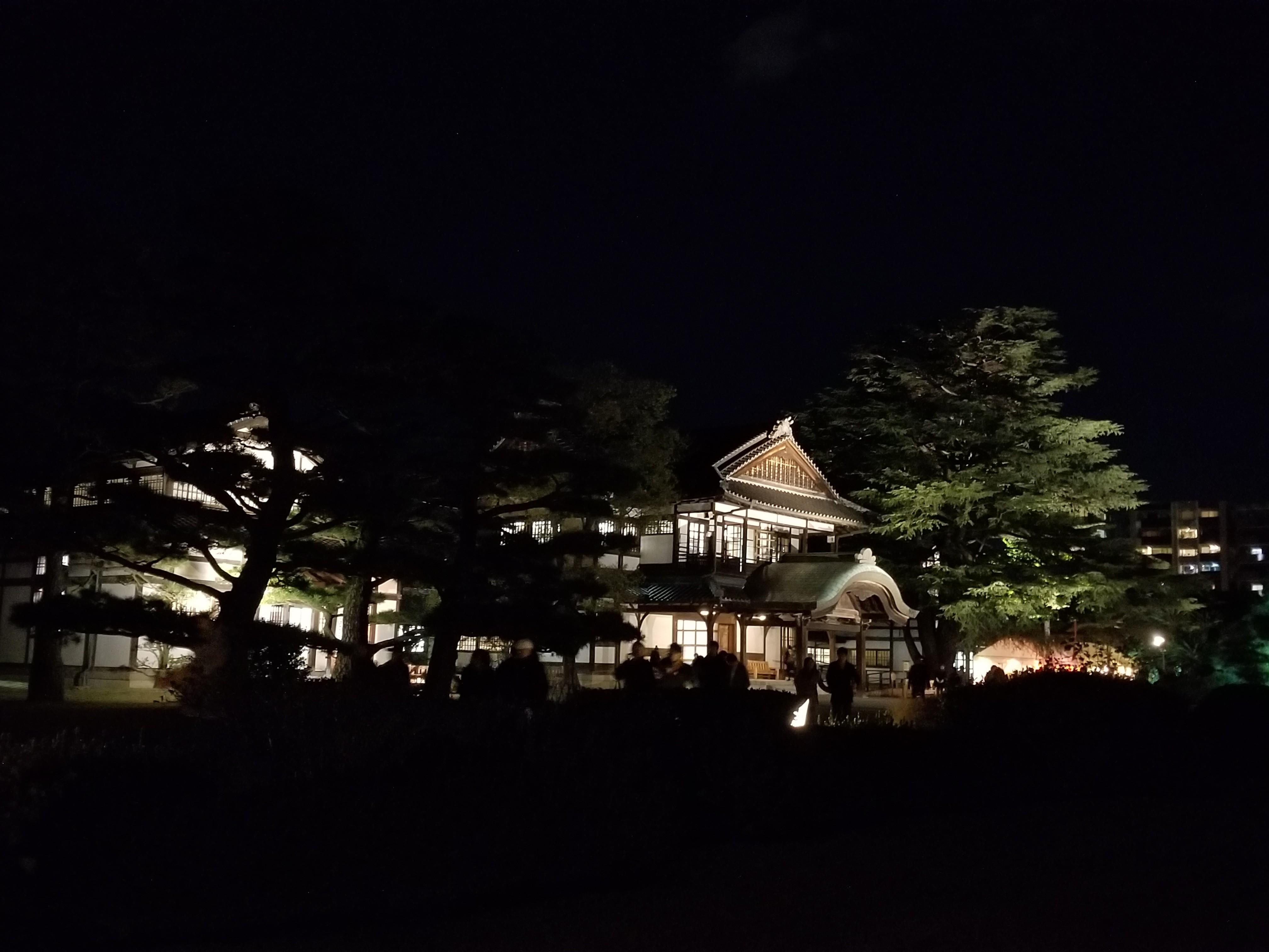 栗林公園秋のライトアップ2018